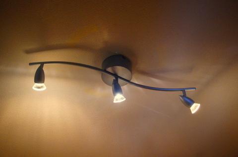 IKEAのスポット照明