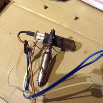 フレームを外した気化器