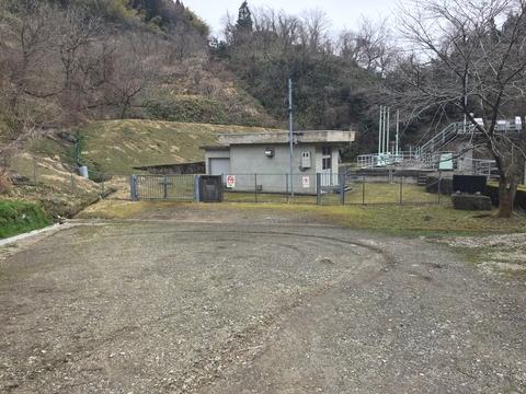 新内川ダム下流の施設ここからスタート
