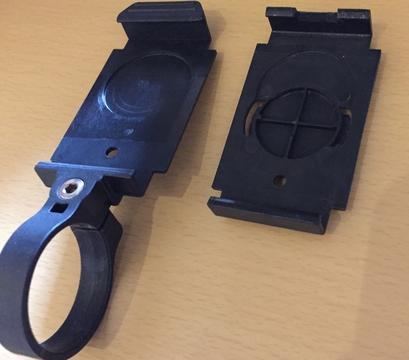 ステーはステム用の他に写真のハンドルとGarmin互換ブラケットが付属する