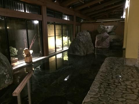 大きな岩風呂