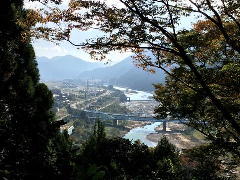 手取川の展望が楽しめる
