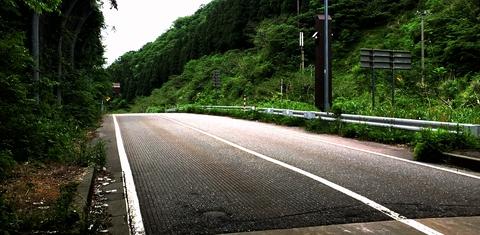 丸岡山中温泉トンネルを抜けたら後はゴールまで下り坂
