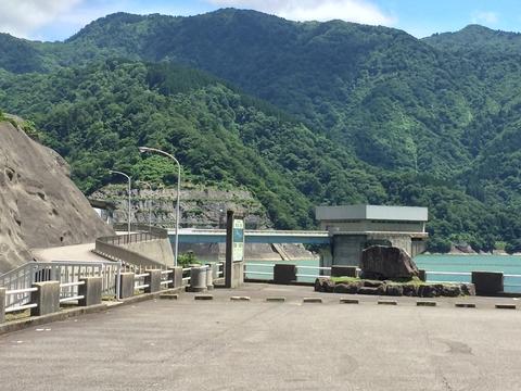 手取川ダムの堤体は立ち入り禁止領域