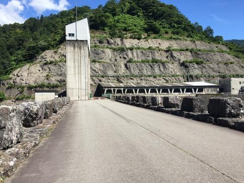 手取川ダム堤体上、立ち入り禁止領域