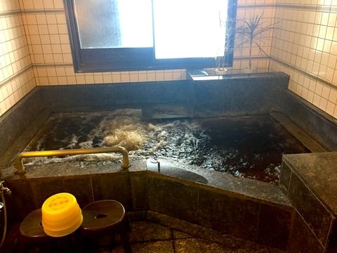 こちらは一般料金のお風呂 十分広い