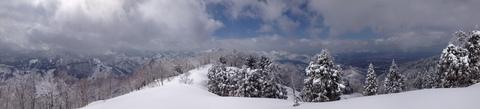 砺波平野と医王山が一望できる頂上