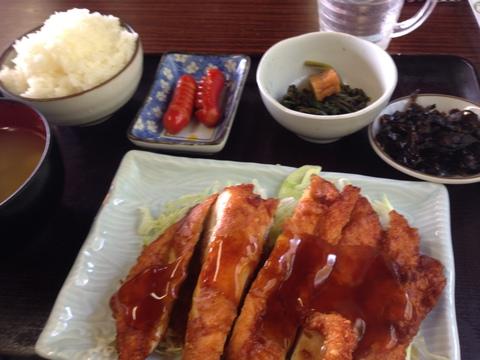 チキン南蛮定食600円