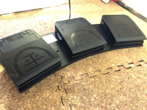 USBフットスイッチFS2020
