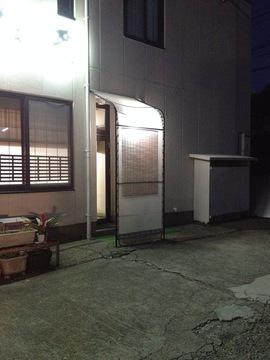 駐車場側の入り口
