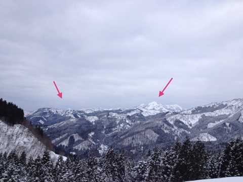 浄法寺山(左)と大日山(右)が見えてくる