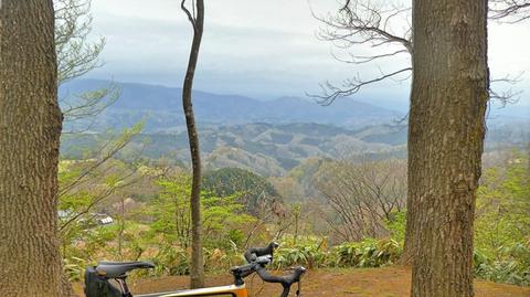 松根城からは医王山と戸室キゴ山、金沢市街が一望できる
