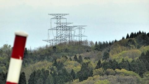 能登幹線鉄塔群が束になって見えた