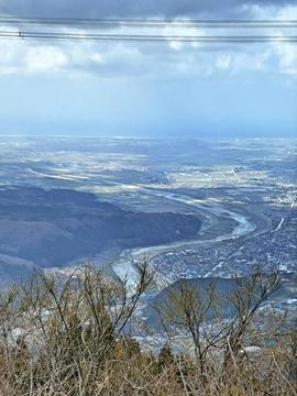 西、手取川が見え始める。手前は舟岡山