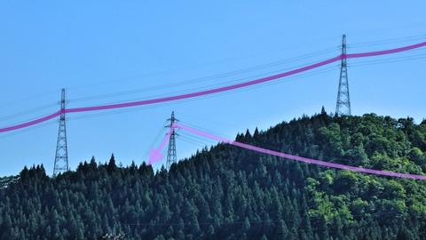 手取幹線(紫)が山を渡って降りてくる、手取線(ピンク)はその下を潜る。左2本は両方45番。すごい偶然