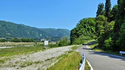 手取川東側林道へ