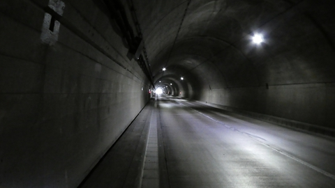 近庄トンネル内