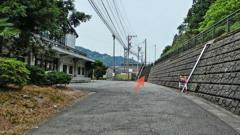 山中温泉 道の駅の南側の階段からスタート