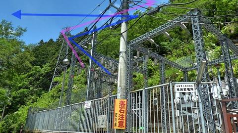 枯淵線(青)は先程の新我谷発電所の1番鉄塔へ九谷線(紫)はここ25番から九谷磁気窯跡の6番までたどる