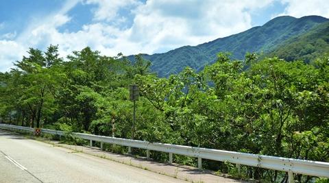 富士写ヶ岳の東側が見えてきた。既に富士の形はしていない