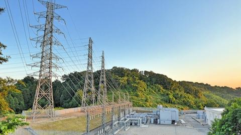 とうとう見えた。これが北陸電力 御所変電所