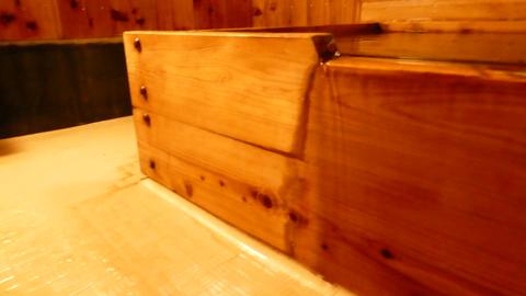 浴槽横はもちろんそこまで総ヒノキ!