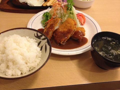 チキンカツ定食680円