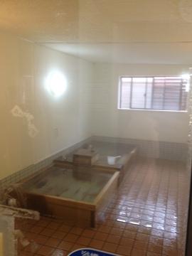 総木製の2つの浴槽