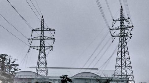 正面 福井火力線と第2福井火力線 最終鉄塔