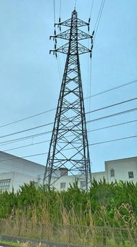 春江線2番手前の変電所敷地内鉄塔