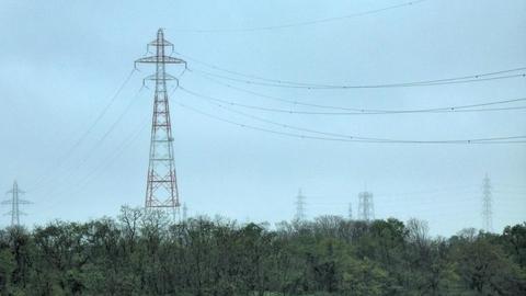 多分唯一の北陸幹線赤白鉄塔