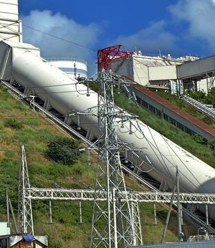 敦賀火力線に繋がる謎の鉄塔