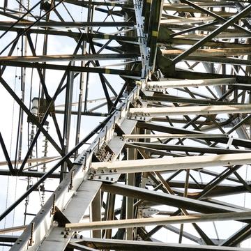 十字型鋼採用の加賀東金津線1番/鉄塔南金沢線3番鉄塔