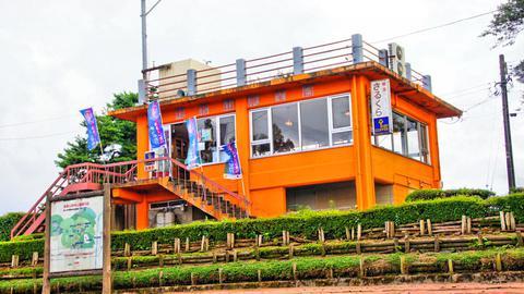 頂上前駐車場の喫茶店