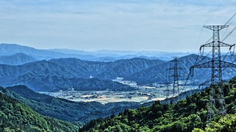 新俣峠から勝山市の展望