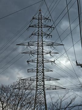 北安江変電所の独特の9回線設計鉄塔は浅野線2番 津幡線10番