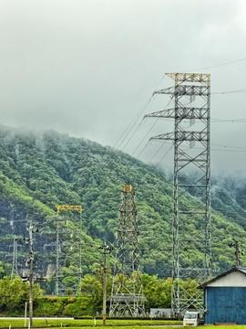 福井幹線62をアンダークロスする北陸幹線84
