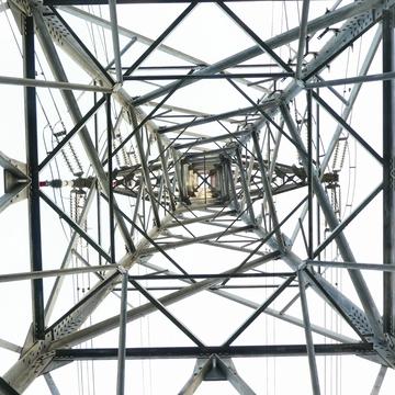 南金沢線1番鉄塔結界 渦巻き模様が美しい