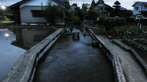 独特の形の用水路