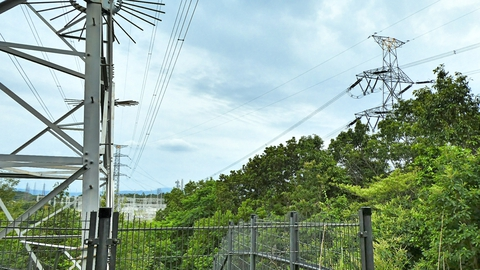 大黒部幹線723番から北大阪変電所側