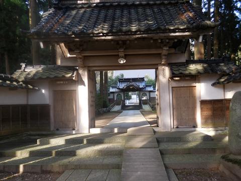 本堂前の「三門」と「中雀門」