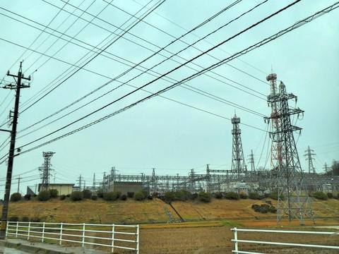 新小松変電所77kvブロック側 手前は小松線1番