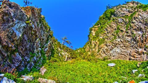 壮大な岩壁