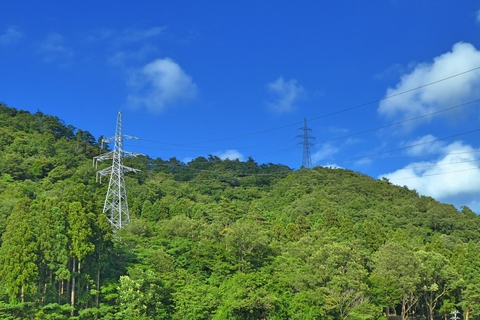 新敦賀変電所北側の鉄塔